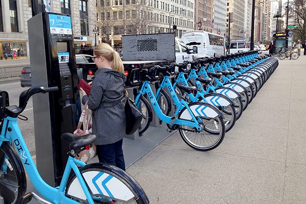Bikes In Chicago out Divvy bikes and ride