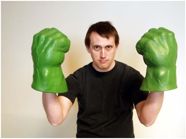 https://avoision.com/portnoy/images/2003/july/ben_hulk.jpg