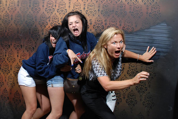 images for gt people looking up scared