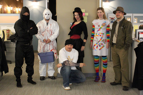 Halloween Costumes in the Office, 2011 - avoision.com | avoision.com